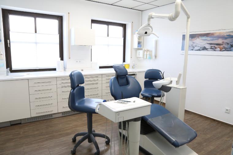 Behandlungszimmer von Praxis Zahnärzte Neuötting